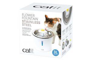 De CatIt Drinkfontein Flower Fontain stimuleren katten om te drinken. Stromend water heeft van nature de voorkeur bij katten in plaats van stilstaand water, zoals in een bakje. Dit komt, doordat stromend water in de natuur duidt op vers water.
