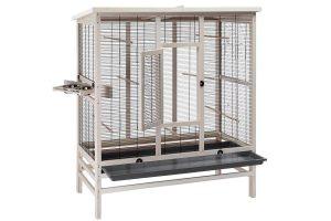 De Ferplast Wilma vogelvolière is een ruim verblijf en geschikt voor onder andere kanaries, parkieten en kleine papegaaien. Gemaakt van duurzaam hout en voorzien van coating, waardoor de kooi extra beschermd is tegen uv-straling en waterafstotend is.