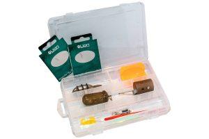 Met deze Feeder set ben je direct klaar om te gaan feedervissen! De set bestaat uit een tacklebox die gevuld is 35 verschillende accessoires. De set wordt daarnaast geleverd in een handige bewaarbox.
