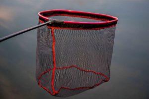 Het Pannet Streetfish is een sterk aluminium pannet voorzien van een rubbere coating, zodat het net snel opdroogt en niet gaat stinken. Dit zorgt er tevens voor dat dreggen niet zo snel vast blijven zitten in je net.