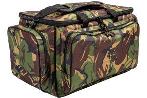 De Treasure DPM Carrycall is een ruime karper tas geschikt om al jouw waardevolle vis spullen met gemak in te kunnen transporteren. De tas bestaat uit 1 groot hoofd compartiment en 3 buitenvakken.