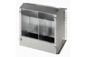 De Kerbl konijnenvoersilo is gegalvaniseerd metaal en daardoor zeer stevig. Daarnaast is de onderzijde voorzien van kleine gaatjes, zodat voer stofvrij blijft. De silo is door middel van clipjes eenvoudig aan een kooi te bevestigen.