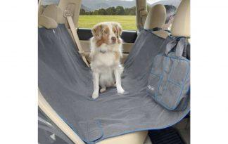 De Kurgo Heather Hammock autobeschermdeken biedt een volledige bescherming voor de achterbank van jouw auto. De autohoes beschermt de vloer en zijkanten van de stoelen, waardoor de auto schoon blijft.