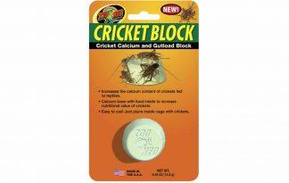 Het Zoo Med calciumblok voor krekels zorgt ervoor dat jouw reptielen een hoger gehalte calcium binnen krijgen. Door het ontbreken van een inwendig skelet hebben insecten als krekels een te laag calcium gehalte voor onder andere reptielen.
