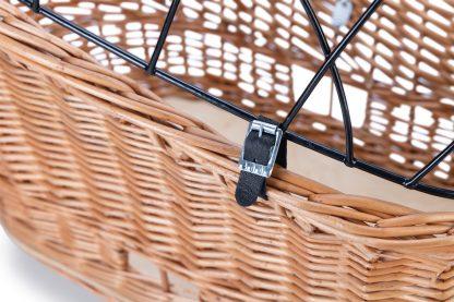 De Beeztees bagagedrager fietsmand met draadkap is voorzien van het klickfix systeem en daardoor zeer eenvoudig op jouw fiets te plaatsen! Het kliksysteem is geschikt voor alle fietsen met een bagagedrager met een breedte van 9 tot 16 cm.