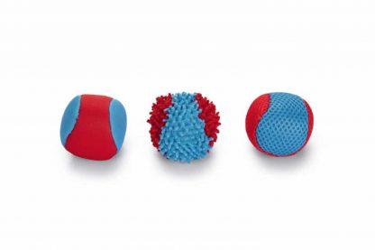 De Beeztees Splashballen zuigt zich vol met water en zorgen daarna voor een verkoelend spelletje! Je kan de ballen extra vergooien met de splashballenwerper.