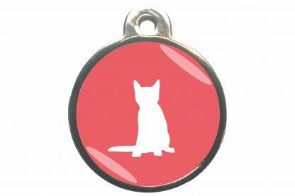 Kattenpenning zittende kat classic is ideaal om aan de halsband of tuig te bevestigen. Wij graveren gratis jouw gegevens op de penning.