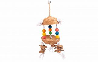 Het Duvo+ vogelspeelgoed met kokosnoot en touw zorgt voor een leuke uitdaging in het dierenverblijf. Het speeltje is ideaal om in te klimmen of om aan te knabbelen, waardoor jouw vogel zich niet gaat vervelen.