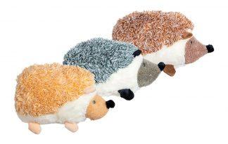De Velveties egel hondenknuffel is extreem zacht. De egels hebben een schattige uitstraling en hoog knuffelgehalte, waardoor jouw hond er zeker mee gaat spelen. Daarnaast is de knuffel ook groot, maar liefst 25 cm. Geschikt voor zowel kleine als grote honden.