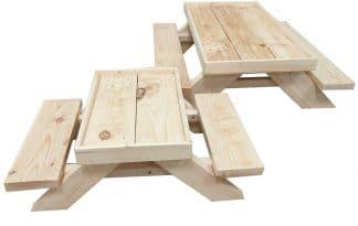 Deze Chicknic-tafel Kriel is een unieke picknick tafel speciaal gemaakt voor kippen. Voer je kippen hun favoriete traktaties op deze picknicktafel.