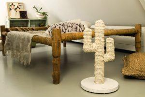 Beeztees Designed by Lotte houten krabpaal Cactus wit