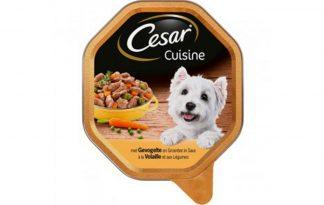 Cesar Cuisine met gevogelte en groenten in saus