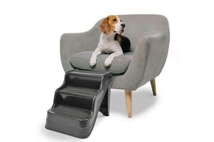 De Duvo+ Easy-up hondentrap ondersteunt uw hond bij het bereiken van hogere oppervlaktes, zoals bijvoorbeeld de bank.