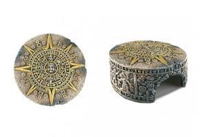 De Exo Terra Aztec kalender steen schuilgrot is geïnspireerd op de pre-Columbiaanse culturen. U creëert hiermee een mystieke, oude precolumbiaanse sfeer in uw terrarium.