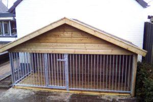 Maatwerk hondenkennel hout 01