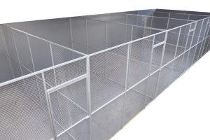 Maatwerk kippenren PVC met aluminium