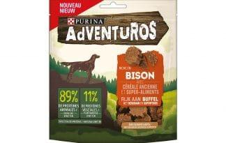 De Purina Adventuros Buffelsmaak snack bevat geen toegevoegde kunstmatige kleurstoffen.