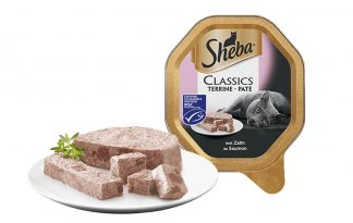 Sheba Classics Paté met zalm is een klassieke paté van malse vis. Deze paté is een lekkere visvariant om dagelijks van te smullen. Traditionele recepten van smakelijke paté met een fijne structuur. Een klassieker waar katten al 30 jaar lang van genieten.