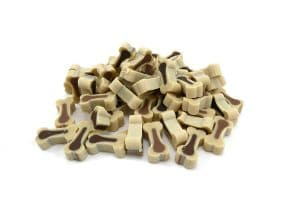 Hondensnoepjes botjes lam&rijst zijn zachte kleine beloningssnoepjes voor de hond in een zakje of hersluitbare pot. De beloningssnoepjes voor de hond zitten in een zakje of in een pot en zijn van ons eigen merk.