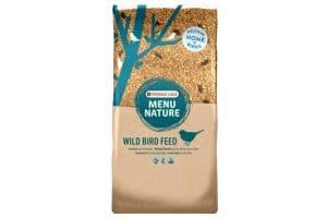 Versele-Laga Menu Nature strooivoer Winter Mix is een vetrijke voeding die tuinvogels helpt de koude winternachten door te komen.