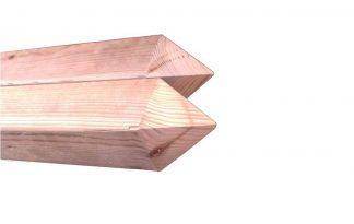 Geïmpregneerde houten palen met punt