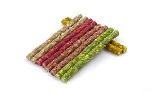 Munchy sticks zijn heerlijke snacksticks voor de hond, gemaakt van runderhuid.