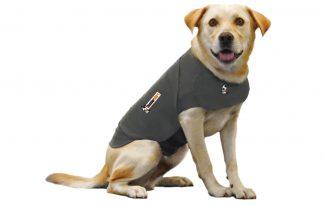 Thundershirt kalmeringsvest kalmeert uw hond door een zachte, constante druk.