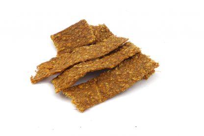 De Vleesstrips Kalkoen zijn een 100% natuurlijk snack. De strips bestaan puur en alleen uit gedroogd vlees van de kalkoen. Deze heerlijke hondensnack is geschikt voor elke hond.