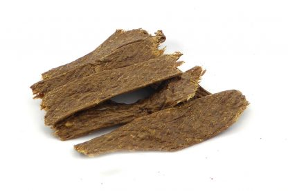 De Vleesstrips Rund zijn een 100% natuurlijk snack. De strips bestaan puur en alleen uit gedroogd vlees van het rund. Deze heerlijke hondensnack is geschikt voor elke hond.