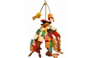 De Zoo-Max Groovy Gizmo XL is gemaakt van heel veel houten blokje met groeven, waarin u eventueel kleine snacks tussen kan plaatsen.